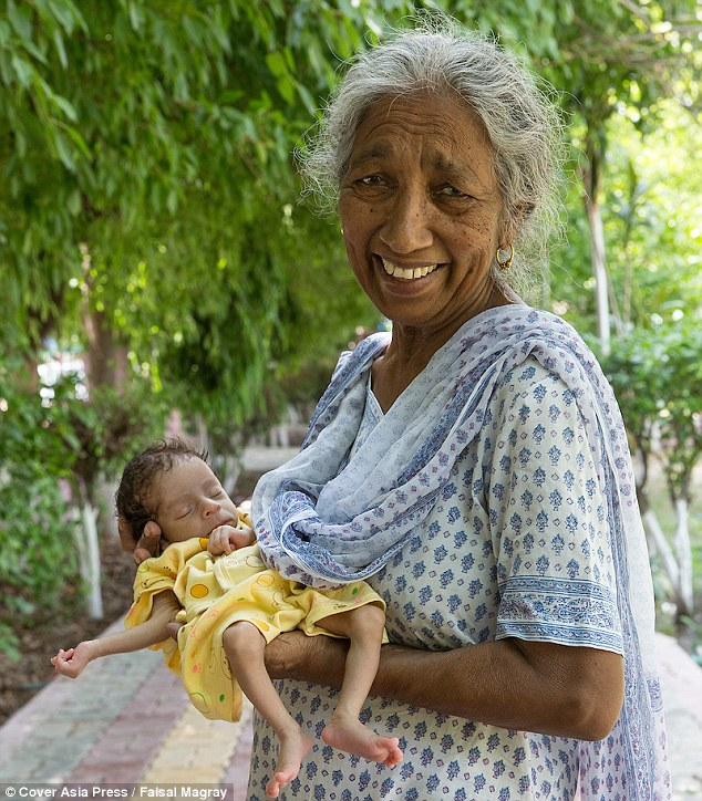 Indian Woman Who Became A First Time Mom At SEVENTY-TWO Admits She Is Struggling Now Her 11-Month-Old Son Is Crawling!