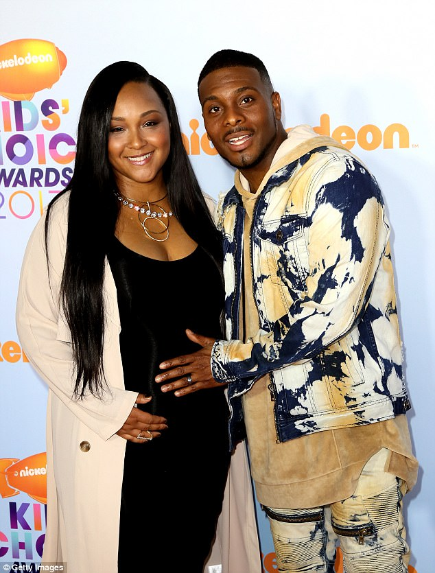 Comedian Kel Mitchell Shares First Photo Of Newborn Daughter Wisdom With Wife Aisha Lee