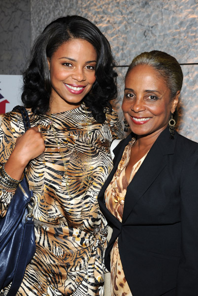 You'll Swear These Mother/Daughter Duos Are Twins!