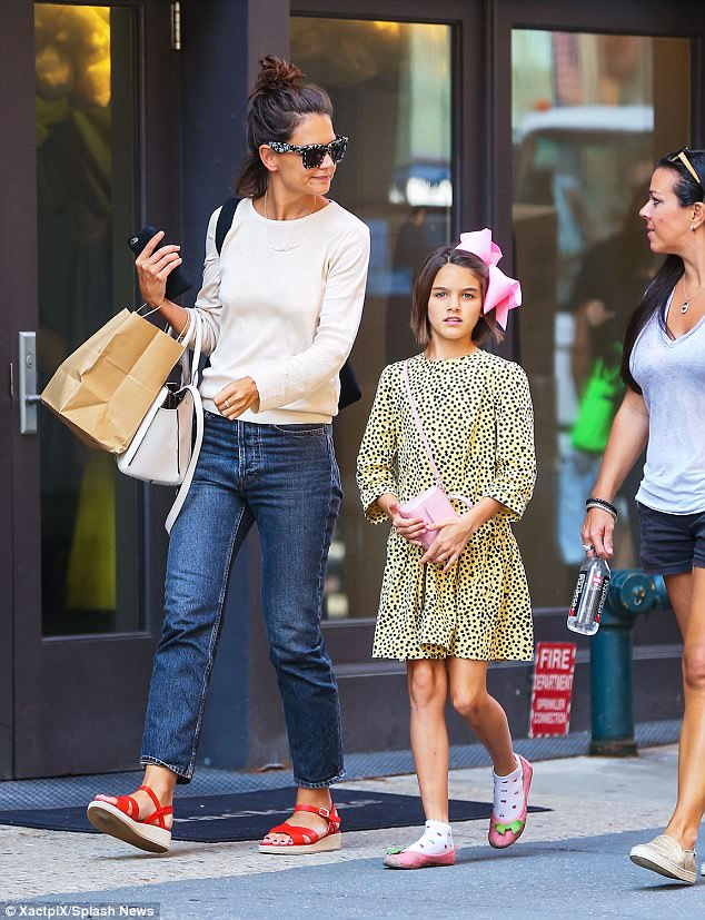 Suri Cruise Is All Grown Up As She Has Mom/Daughter Day With Katie Holmes In NYC