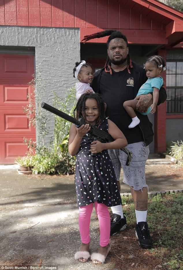 Father-Of-Four Homeschools Children On Bitcoin, Black Panthers And How To Handle An UZI