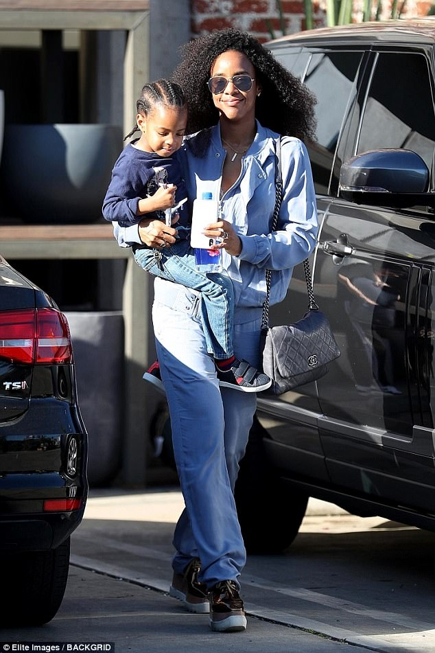Kelly Rowland Carries Three-Year-Old Son Titan During Shopping Trip In LA